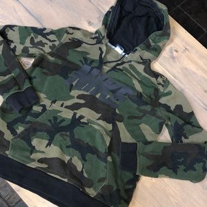 Nike camo hooded sweatshirt